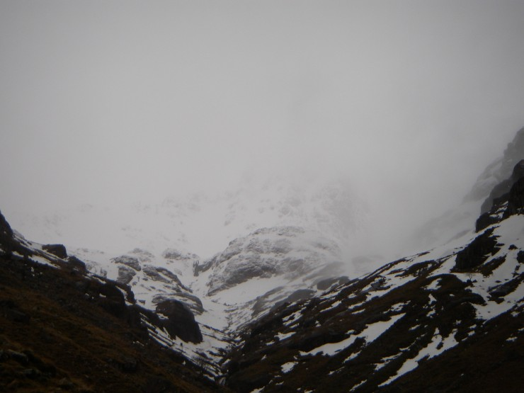 Enough of a view of Lochan  to see that quite a bit of new snows come in.