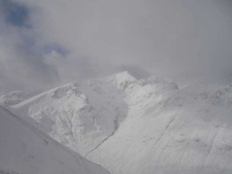 Looking quite snow over on Stob Coire Sgreamhach.