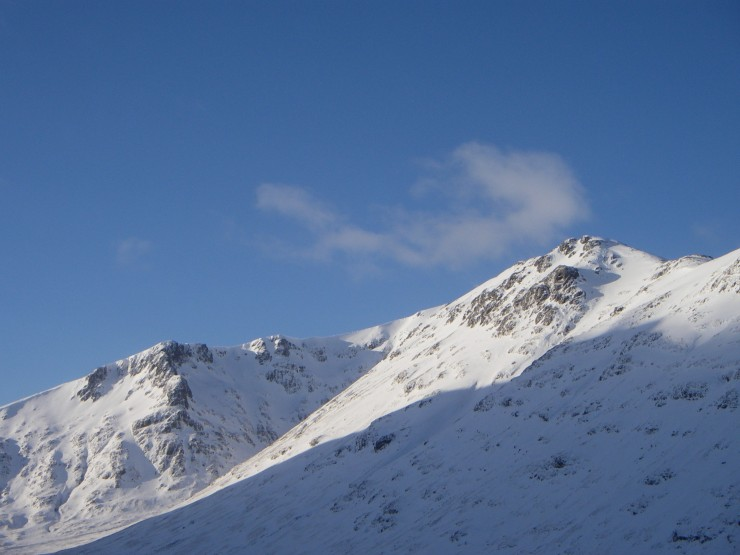 Sron a Lairig and Stob Coire Sgreamhach in the sun