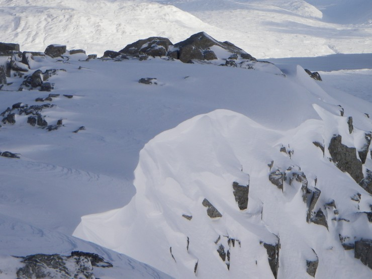 SE facing cornice on Stob Coire Raineach