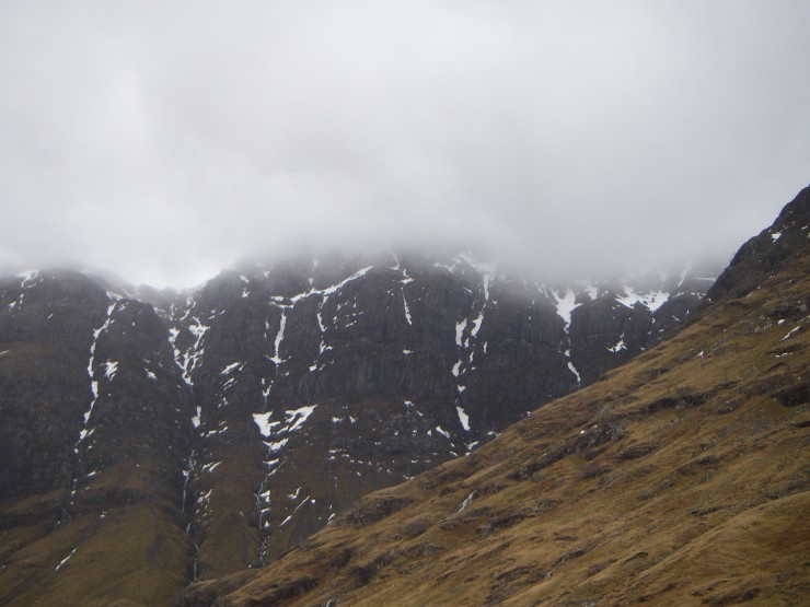 The West face of Aonach Dubh looked very patchy this morning