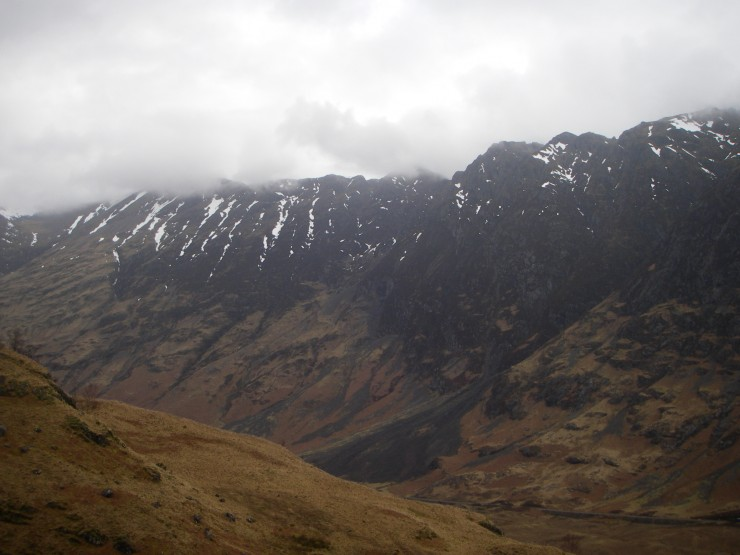 The mist was sitting level with the crest of the Aonach Eagach by mid-day