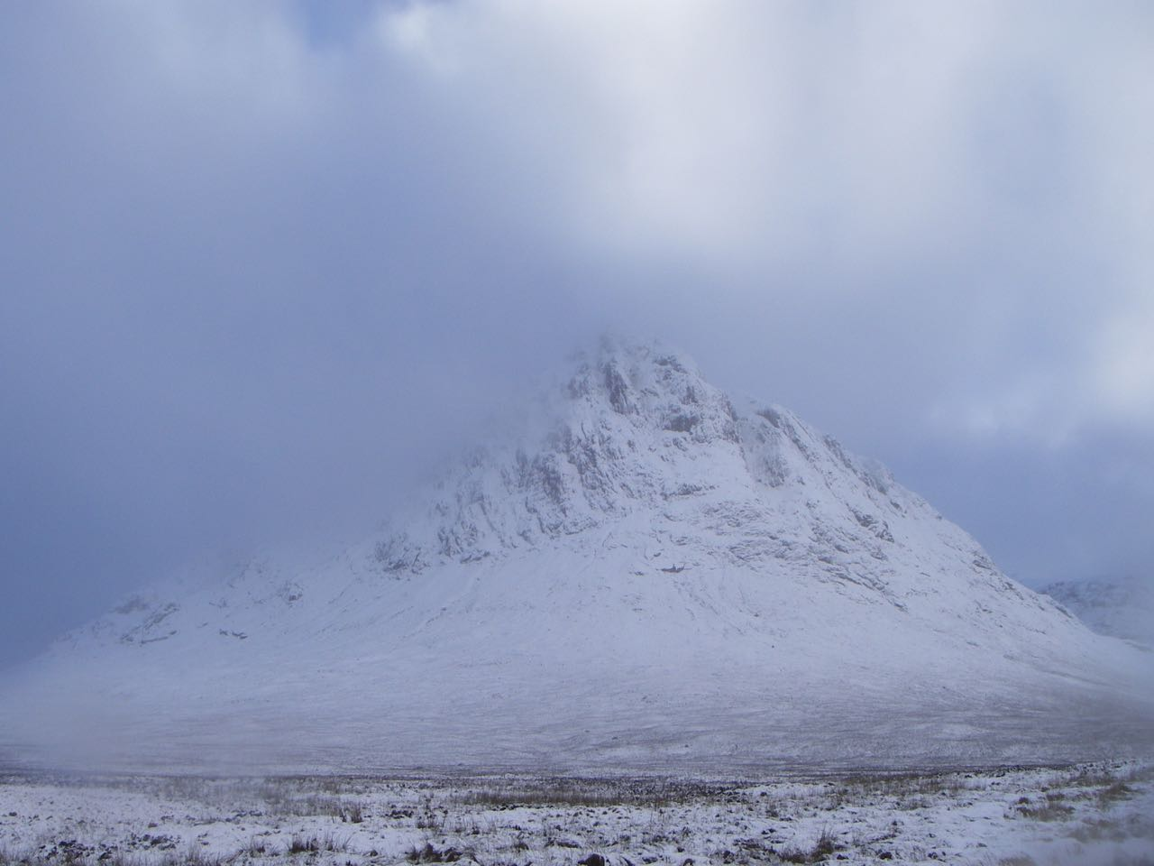 The Buachaille looking magical in a sea of pearly mist