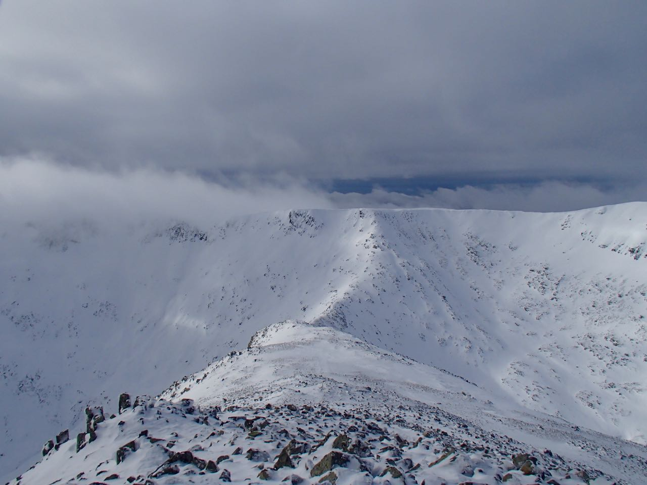 Looking down the West ridge of Meall a Bhuiridh