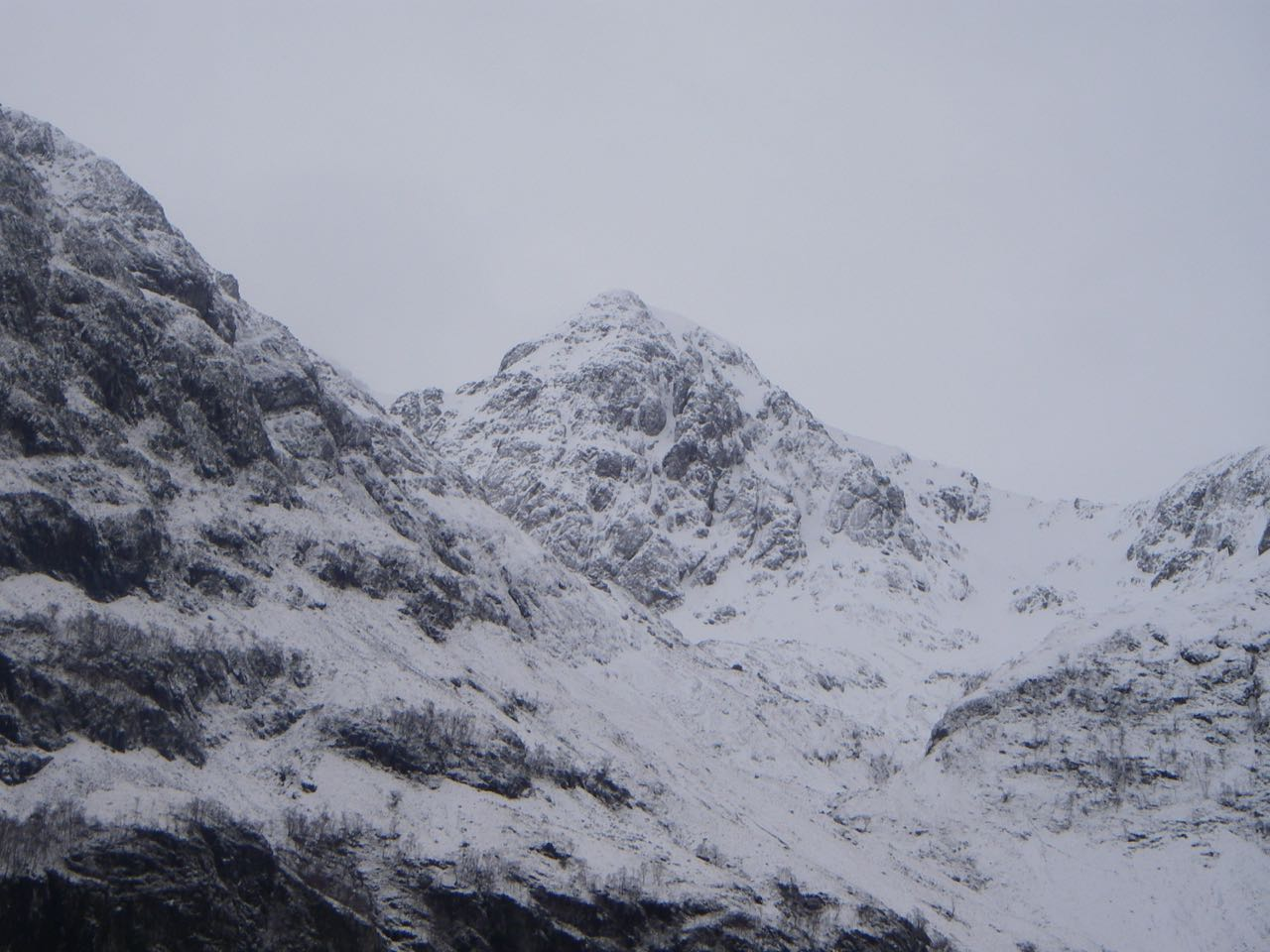 Stob Coire nam Beith beyond the shoulder of Aonach Dubh