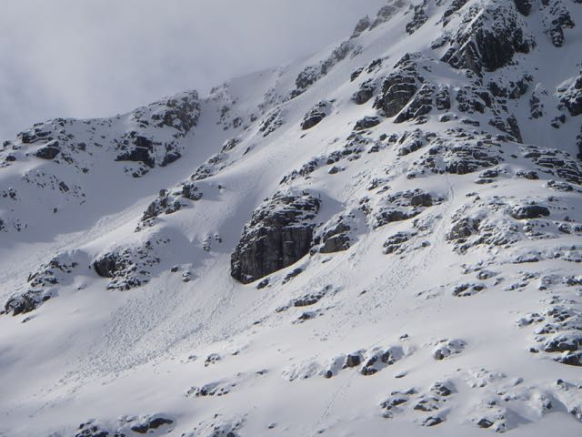 Single-point sloughing on the Northerly slopes below Stob Coire nan Lochan