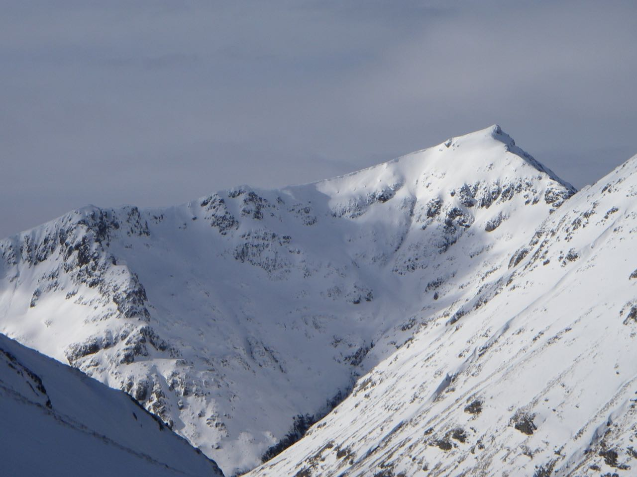 Sron na Lairig (bottom left) and Stob Coire Sgreamhach in the sun