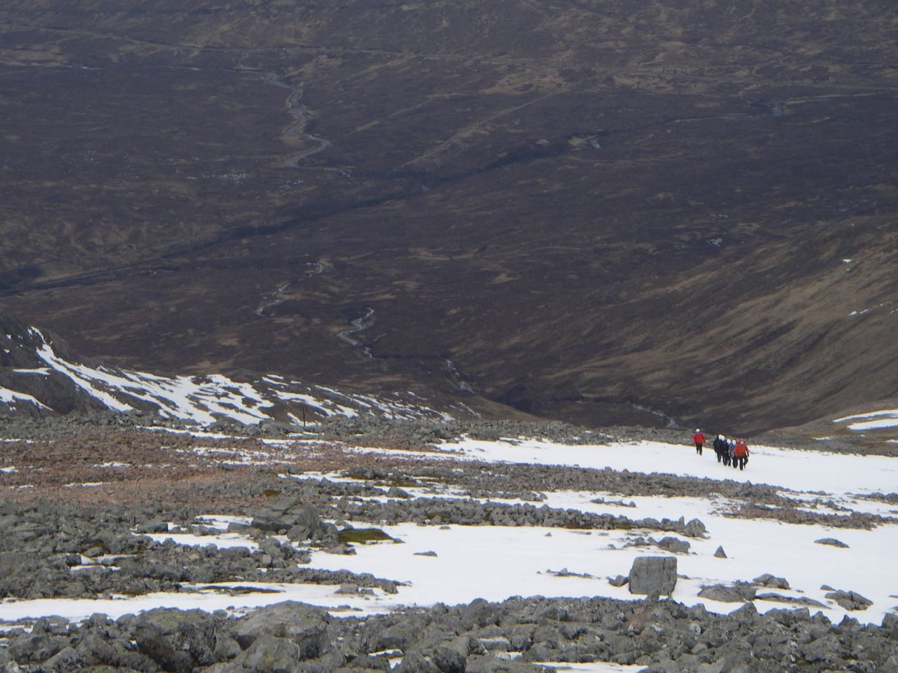 A party ascending the north ridge of Meall a Bhuiridh.
