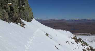 Cold overnight with a light dusting of new snow, great day with perfect blue skies.